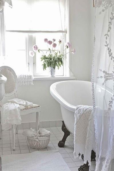 clawfoot tub2