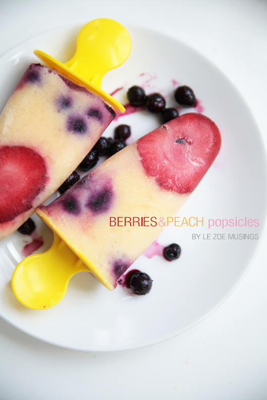 berries and peaches popsicles