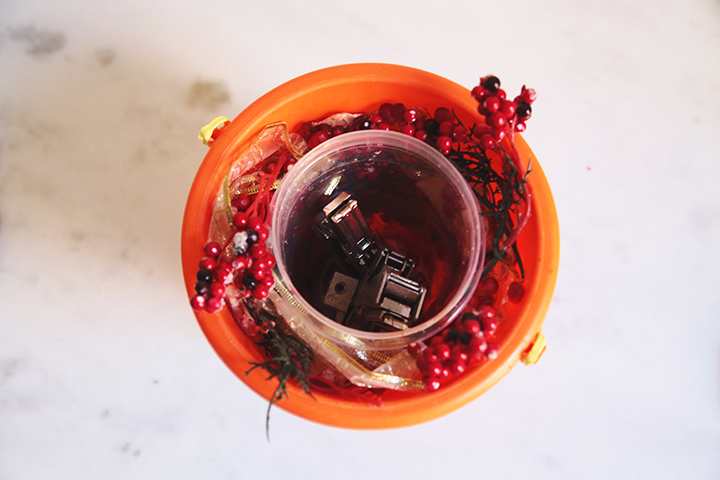 DIY Holiday Ice Bucket by Le Zoe Musings9