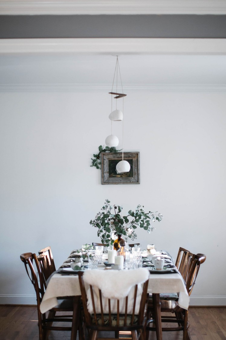 Winter home tablesetting