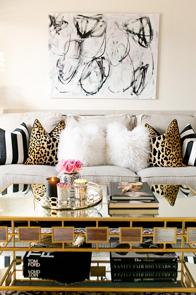 Ten Coffee Table Decor Ideas LE ZOE MUSINGS