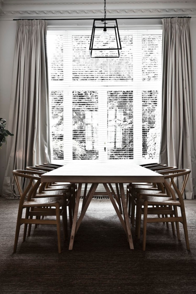 dining-wishbone-chairs-photo-karel-balas-milk