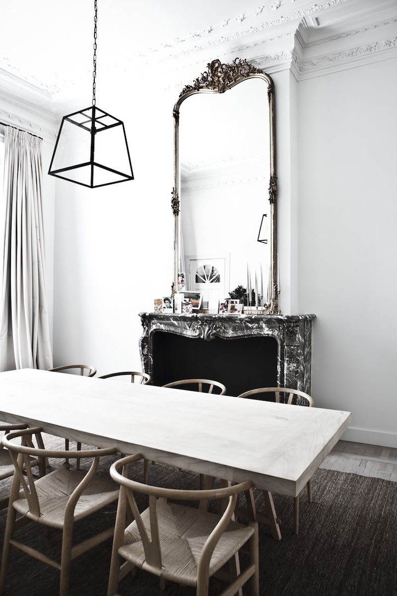 wishbone-chairs-fireplace-mirror-photo-karel-balas-milk